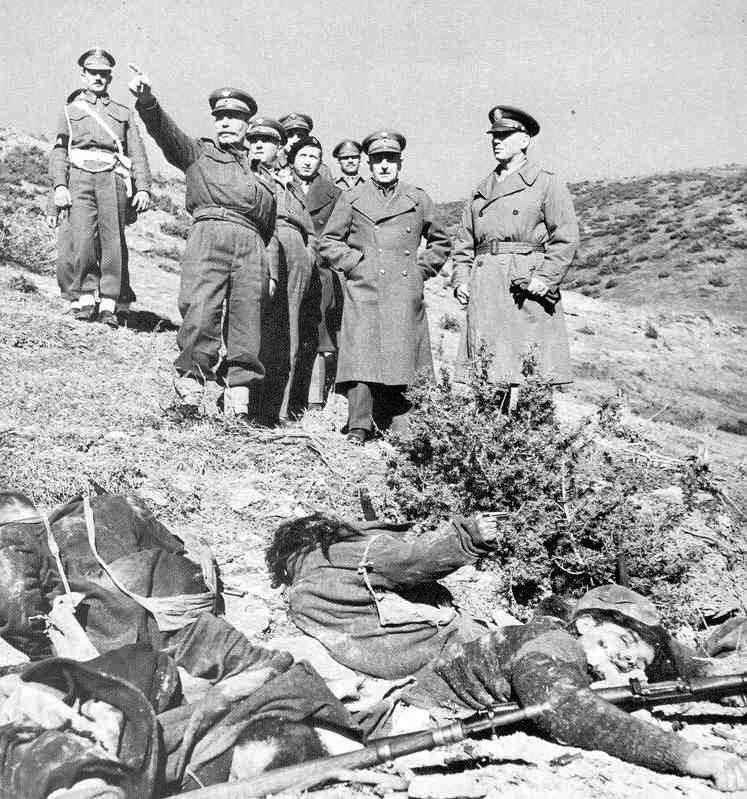 5.генерал флит заедно со атинските офицери некаде во Костурско а во подножјето лежат мртви Македонски борци